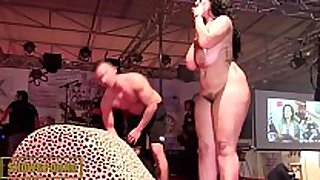 Bbw dark brown fucking large weenie on stage