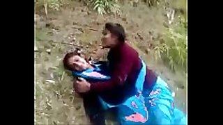 Indian desi schoolgirl lesbo outdore :)