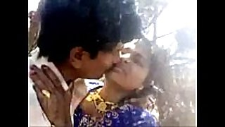 Desi pair outdoor fuck