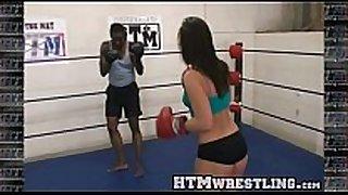 Boxing sinn sage combat fetish - large butt whit...