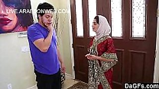 Sexy arabian sharmota fuck on hd - live.arabson...