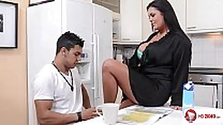 Jasmine dark in the kitchen hd
