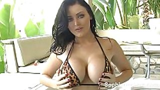 Hot tub toy time for breasty british whore sophie dee