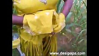 Indian punjabi bhabhi fucked in open fields mms