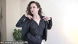 Brunette aged mamma with hot black