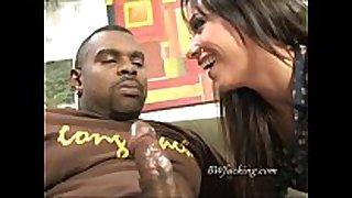 Interracial irrumation sex pleasure with hawt black brown hair hair slurping ...