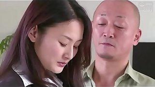 femme d'_affaires japonaise forcé_e prime average son patron (Full: tinyurl.com/y7xv2nfd)